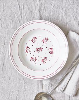 Hluboký talíř s červenými...