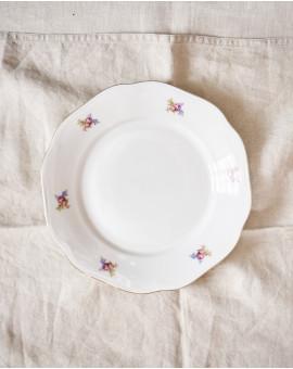 Sváteční talíře s květy...