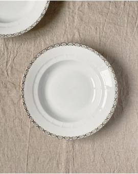 Dva hluboké talíře s...