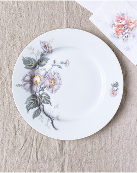 Mělký talíř s květinou /...
