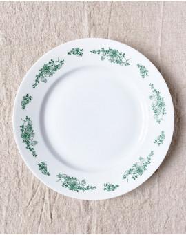Mělký talíř se zeleným...